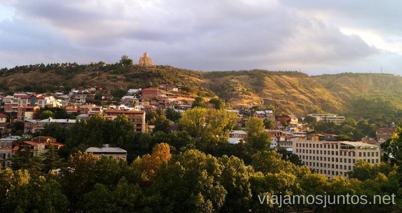 Tbilisi al atardecer se tiñe de dorado Qué ver y hacer en Tbilisi (Tiflis), la capital de Georgia