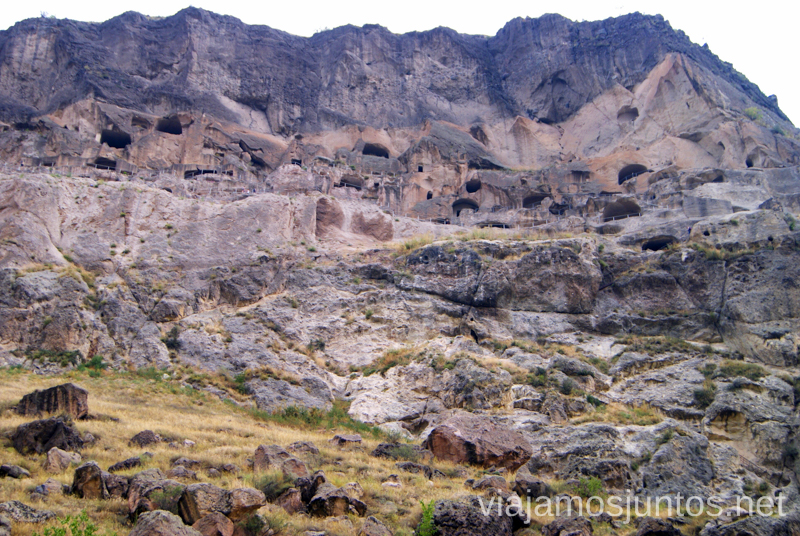 La ciudad de Vardzia, escavada en la roca Vardzia. Qué ver e información práctica