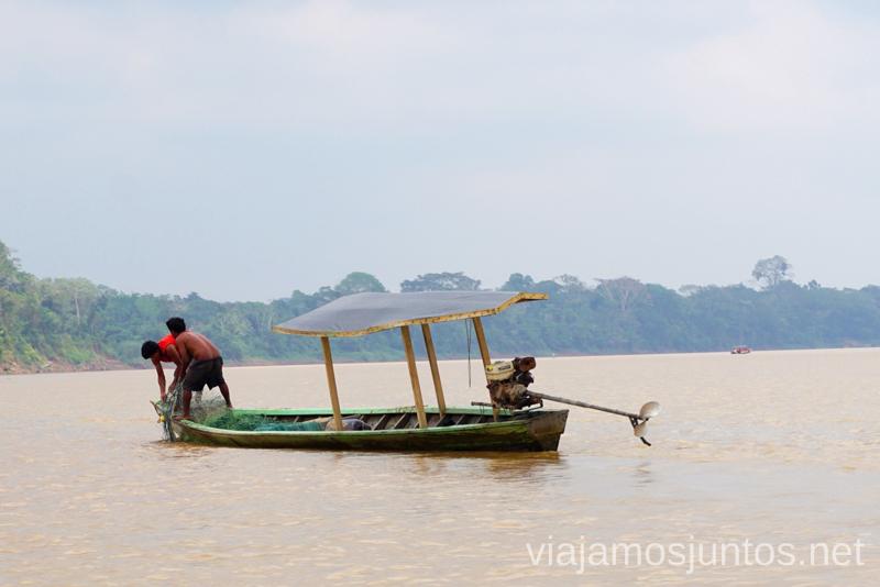 Los pescadores en el río Tambopata Ruta por Perú de 30 días Itinerario Peru Viaje a Perú #PerúJuntos