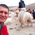 Haciendo amigos durante nuestro viaje a Perú Consejos prácticos para viajar a Perú #PerúJuntos