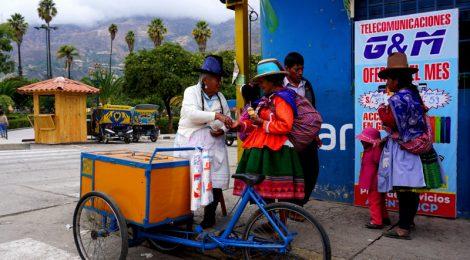 Señoras lindas en las calles de Perú Consejos prácticos para viajar a Perú #PerúJuntos