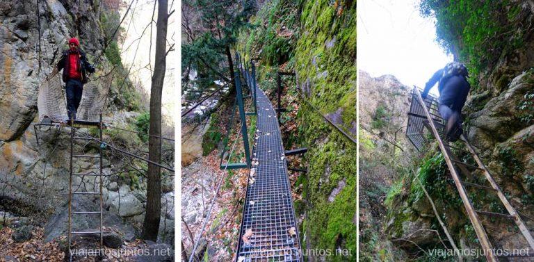 Algunas pasarelas de metal en la ruta de les Gorges de Caranca Ruta de las Gorges de Caranca Qué ver y qué hacer en Francia