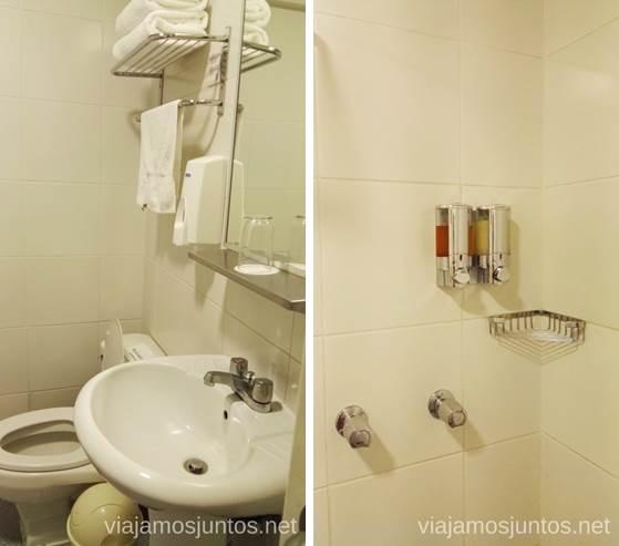 Dispensadores de champú y gel de ducha en el cuarto de baño de los hoteles Casa Andina Standart Casa Andina Hotels por Peru #PerúJuntos Perú