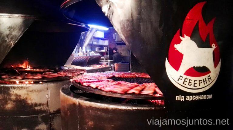 Rebernia (La casa de las costillas) - disfruta de la carne Donde comer en Lviv Restaurantes curiosos y bien de precio Ucrania
