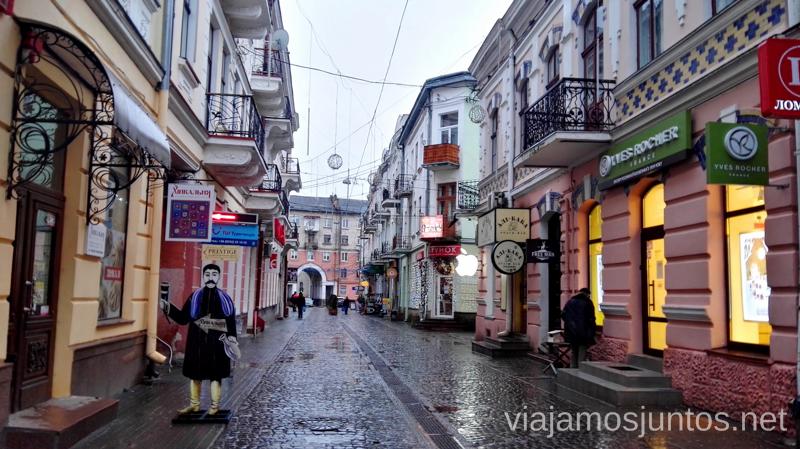 Calles de Ternopil, una ciudad al Oeste de Ucrania Viajar a Ucrania #ViajamosJuntos #XmasJuntos #UcraniaJuntos