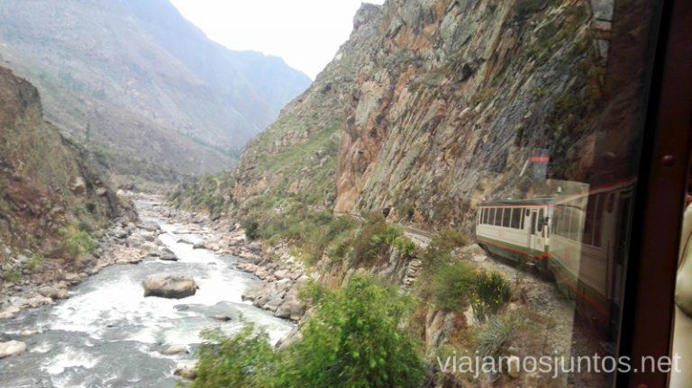 Vistas desde el tren de Inca Rail de camino a Machu Picchu (Aguas Calientes). Cómo llegar a Machu Picchu Aguas Calientes desde Cusco y Ollantaytambo Peru #PerúJuntos Perú
