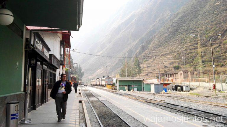 Estación de trenes de Ollantaytambo, Perú Cómo llegar a Machu Picchu Aguas Calientes desde Cusco y Ollantaytambo Peru #PerúJuntos Perú