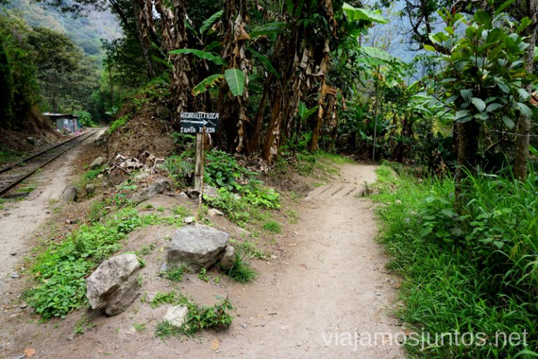 Caminos que llevan a Machu Picchu Cómo llegar a Machu Picchu Aguas Calientes desde Cusco y Ollantaytambo Peru #PerúJuntos Perú