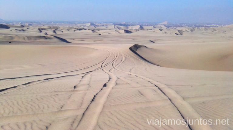 Huellas de tubulares en el desierto de Huacachina. Qué ver y qué hacer en Ica y el desierto y oasis de Huacachina Visita a la bodega de Los Tres Hermanos y El Catador Peru #PerúJuntos Perú