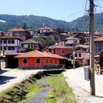 Alrededores del hotel Edno Vreme en Koprivshchica. Dónde dormir y consejos prácticos para encontrar alojamiento en Bulgaria. Nuestros hoteles favoritos