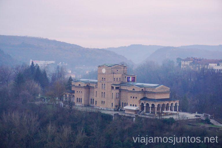 Vistas desde el hotel Stambolov. Dónde dormir y consejos prácticos para encontrar alojamiento en Bulgaria. Nuestros hoteles favoritos