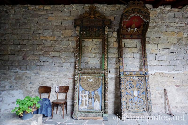 Patios del Monasterio Bachkovski. Dormir en monasterios en Bulgaria Consejos prácticos y nuestra experiencia #BulgariaJuntos