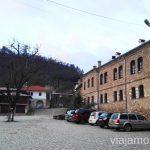 Parking del Monasterio Bachkovski. Dormir en monasterios en Bulgaria Consejos prácticos y nuestra experiencia #BulgariaJuntos