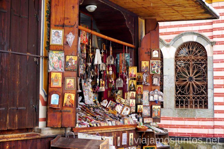 Tienda del Monasterio de Rila. Dormir en monasterios en Bulgaria Consejos prácticos y nuestra experiencia #BulgariaJuntos