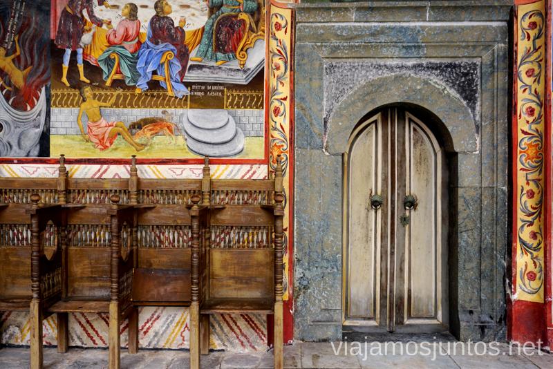 Detalles del Monasterio de Rila. Dormir en monasterios en Bulgaria Consejos prácticos y nuestra experiencia #BulgariaJuntos