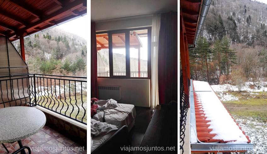 Habitación y vistas desde Gorski Kut. Dónde dormir y consejos prácticos para encontrar alojamiento en Bulgaria. Nuestros hoteles favoritos