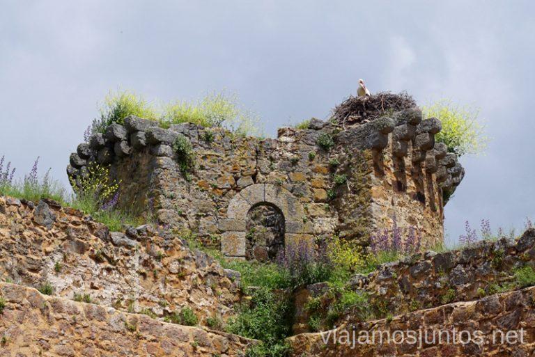 Castillo de Barco de Ávila. Qué hacer en Gredos Norte, la Sierra Norte de Gredos. Dónde dormir y dónde comer