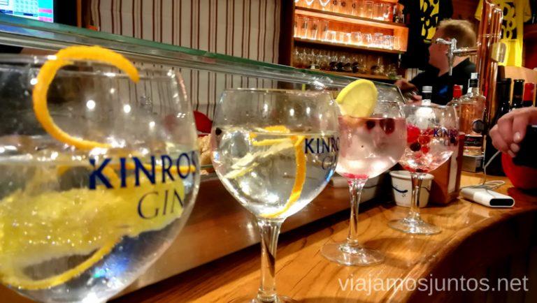 Los famosos Gin-tonics del Bar Gredos en Hoyos del Espino. Qué hacer en Gredos Norte, la Sierra Norte de Gredos. Dónde dormir y dónde comer