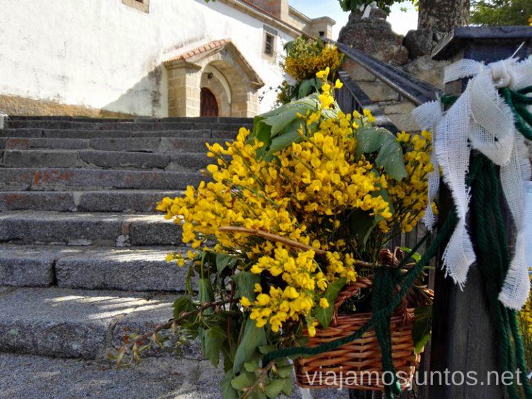 Iglesia en Navarredonda de Gredos. Qué hacer en Gredos Norte, la Sierra Norte de Gredos. Dónde dormir y dónde comer