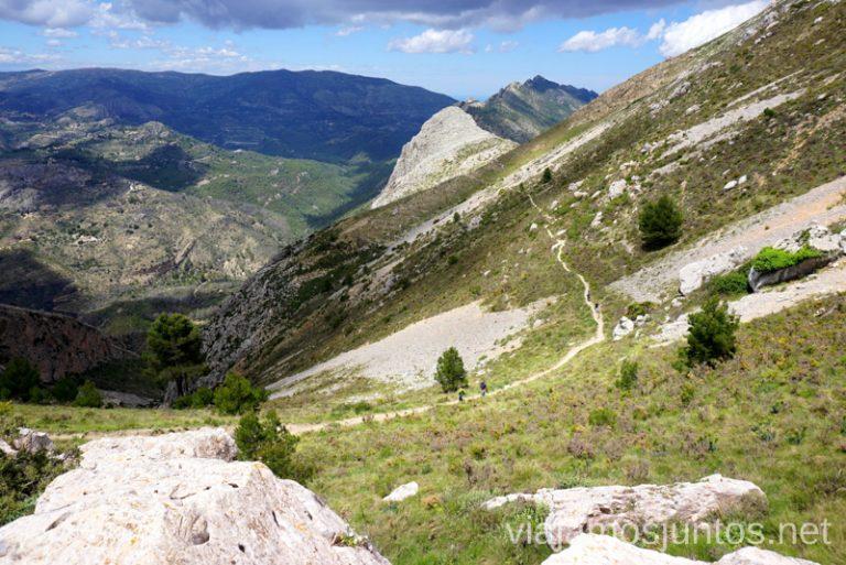 La vuelta por los caminos estrechos de la Sierra de Bernia. Ruta circular en la Sierra de Bernia y Ferrer Qué hacer en Benidorm y alrededores #RumboSurJuntos