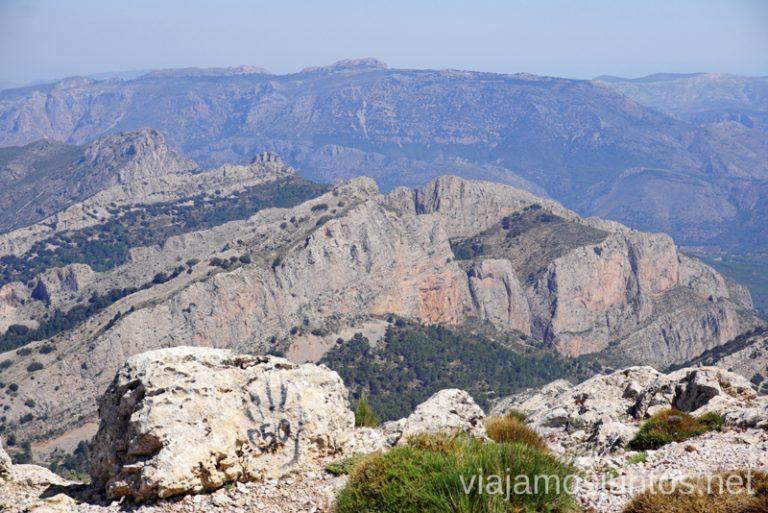 Desde la cima de Puig Campana. Ruta de la ascensión al pico de Puig Campana Qué hacer en Benidorm y alrededores #RumboSurJuntos
