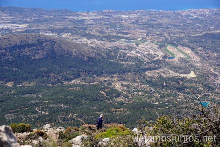 Camino de subida y bajada de Puig Campana. Ruta de la ascensión al pico de Puig Campana Qué hacer en Benidorm y alrededores #RumboSurJuntos