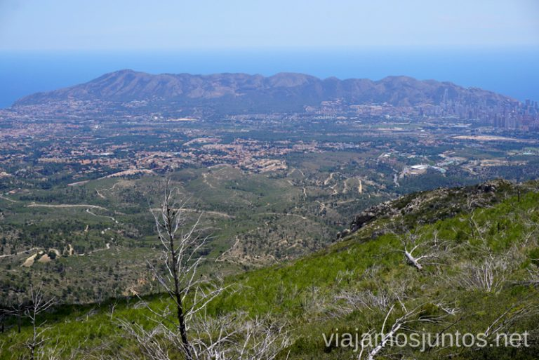 Vistas de la Serra Gelada desde el pico Puig Campana. Qué hacer en Benidorm y alrededores #RumboSurJuntos