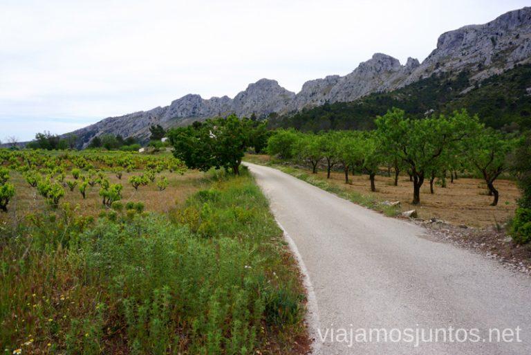 Comienzo de la ruta circular de la Sierra de Bernia y Ferrer, Ruta circular en la Sierra de Bernia y Ferrer Qué hacer en Benidorm y alrededores #RumboSurJuntos