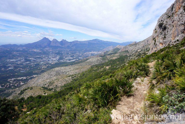 La vuelta por el vertiente sur de la Sierra de Bernia. Ruta circular en la Sierra de Bernia y Ferrer Qué hacer en Benidorm y alrededores #RumboSurJuntos