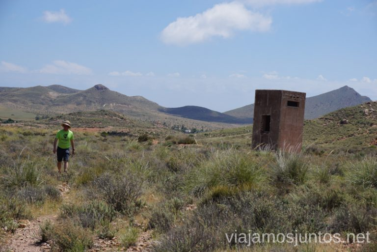 Comienzo de la ruta de las minas de Cinto en rodalquilar. Ruta de senderismo de las Minas de Cinto o de Rodalquilar, Cabo de Gata - Níjar #RumboSurJuntos