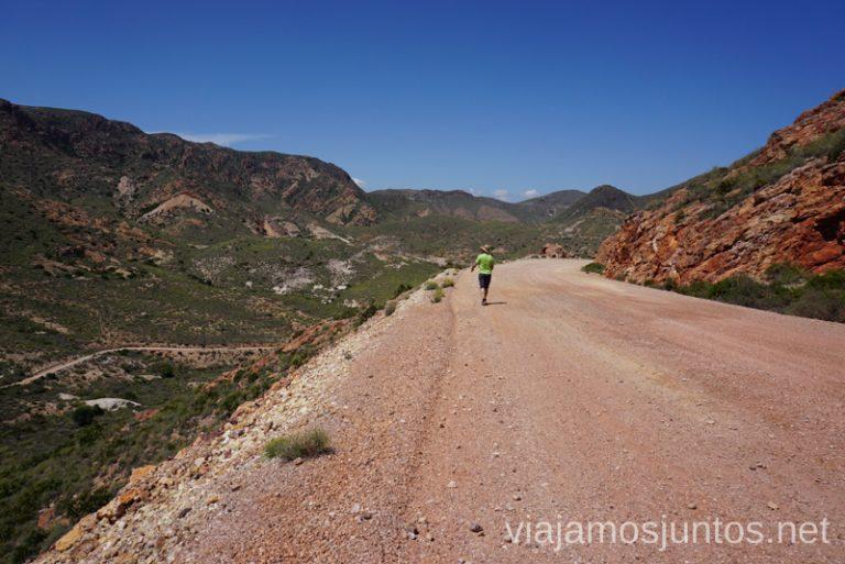 Pista ancha. Camino de vuelta de la ruta de las minas del Cinto, Rodalquilar. Ruta de senderismo de las Minas de Cinto o de Rodalquilar, Cabo de Gata - Níjar #RumboSurJuntos