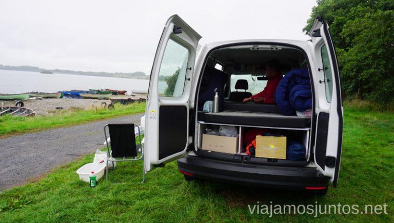 Pernoctamos por libre en Irlanda con campervan. Dónde dormir durante tu viaje por Irlanda Alojamiento barato en Irlanda #IrlandaJuntos