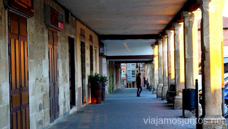 Plaza Mayor de Lerma bañada en los primeros rayos de sol. Qué ver y qué hacer en Lerma en un fin de semana Castilla y León