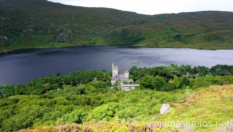 Castillo en Glenveagh National Park (Parque Nacional Glenveagh). Qué ver y hacer en Wild Atlantic Way Irlanda #IrlandaJuntos Northern Headlands