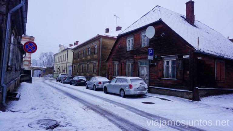 Carreteras nevadas de Letonia. Consejos prácticos para viajar a Países Bálticos en invierno.