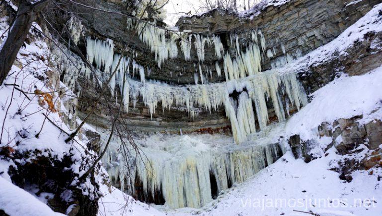 Cascada congelada. Itinerario de 14 días por Países Bálticos. Roadtrip por Países Bálticos de 2 semanas, ruta de viaje