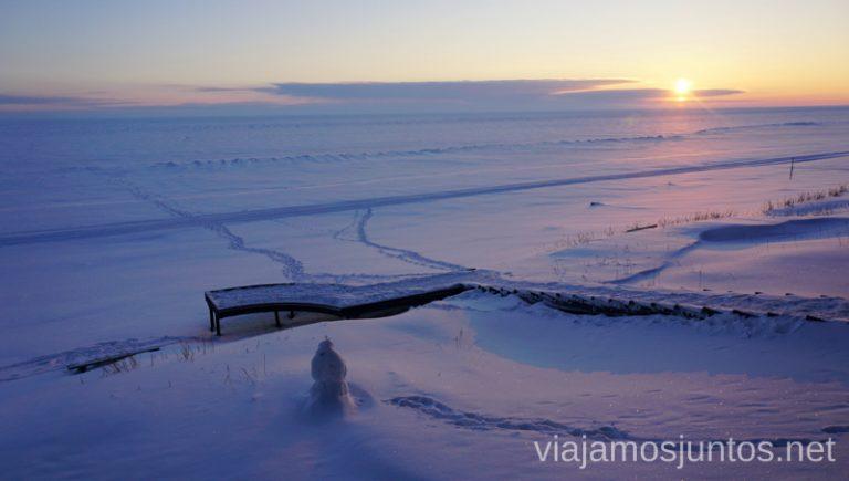 El lago Peipus al atardecer. Itinerario de 14 días por Países Bálticos. Roadtrip por Países Bálticos de 2 semanas, ruta de viaje