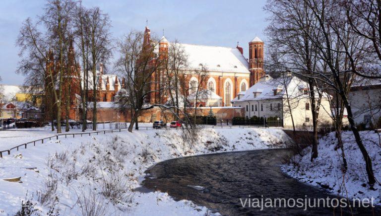Vilnius, entrando al barrio de Uzupis. Itinerario de 14 días por Países Bálticos. Roadtrip por Países Bálticos de 2 semanas, ruta de viaje