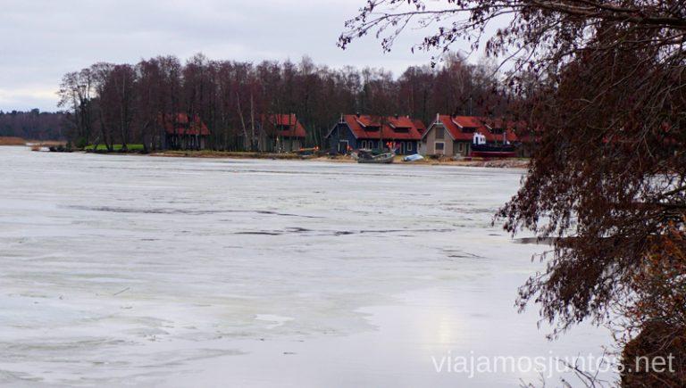 Uno de los pueblos de Curlandia. Itinerario de 14 días por Países Bálticos. Roadtrip por Países Bálticos de 2 semanas, ruta de viaje