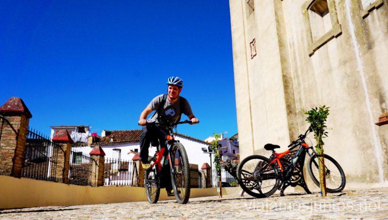 ¿Nos vamos por la Sierra de Aracena en bici eléctrica? Qué ver y hacer en Aracena Provincia de Huelva Andalucía España