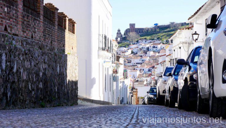 Una de las cosas qué ver en Aracena - sus calles. Qué ver y hacer en Aracena Provincia de Huelva Andalucía España