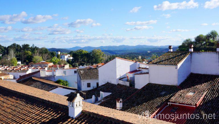 Vistas a Aracena desde la terraza del hotel. Hotel Convento Aracena Dónde Alojarse en Aracena