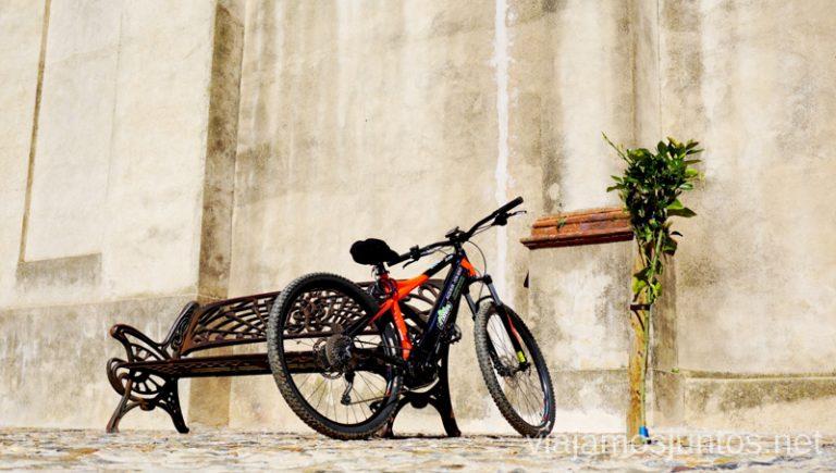 Linares de la Sierra con bici eléctrica de eBike. Ruta por las dehesas y pueblos de la Sierra de Aracena en bici eléctrica de montaña eBike Aracena