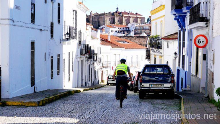 Aracena en bicicleta eléctrica. Ruta por las dehesas y pueblos de la Sierra de Aracena en bici eléctrica de montaña eBike Aracena
