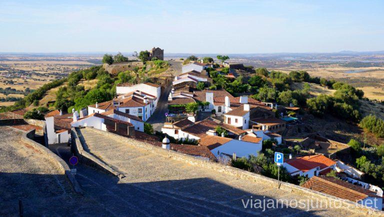 Ermita de San Benito al final de la calle. Qué ver y hacer en Monsaraz #Experiencias_Alqeuva Portugal