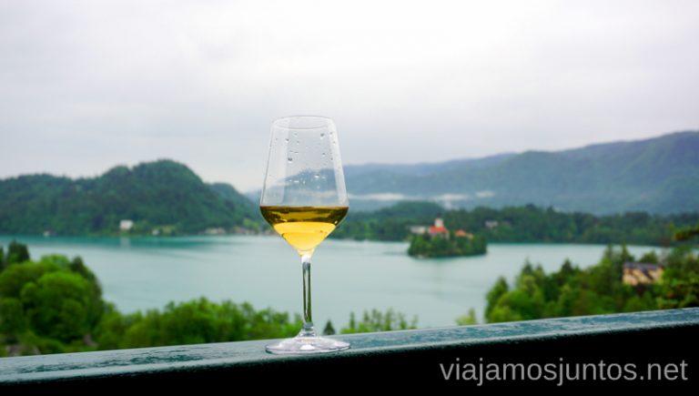 Vistas desde el balcón de la habitación del hotel Triglav Bled. Alojarse en el Hotel Triglav Bled Eslovenia #EsloveniaJuntos