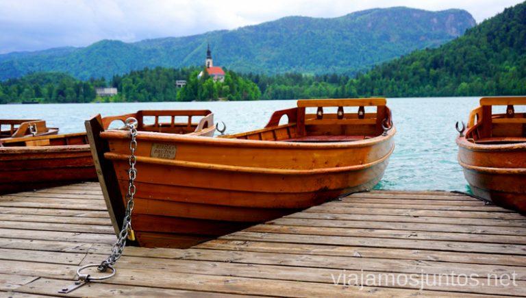 Barca de remo en lago Bled. Qué ver y hacer en Eslovenia Campervan en Eslovenia Lago Bled #EsloveniaJuntos