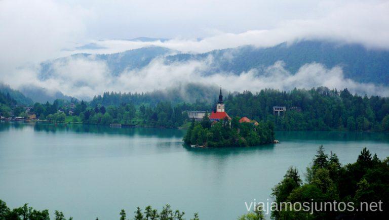 Vistas desde nuestra habitación en el hotel Triglav Bled al lado y la isla. Alojarse en el Hotel Triglav Bled Eslovenia #EsloveniaJuntos