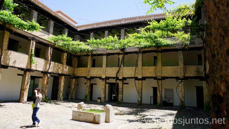 Corral de Carbón. Granada. Qué ver y hacer en Granada en verano Andalucía