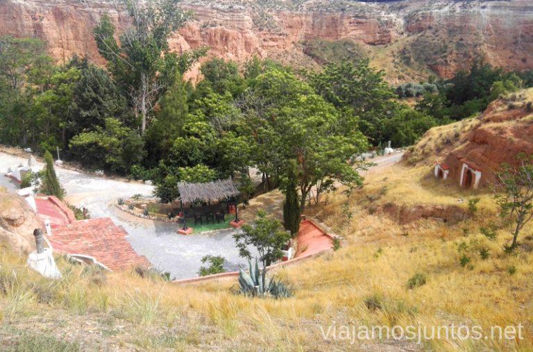 Vista de las casas-cueva la Tala en Guadix. Alojamiento en casas-cueva de Guadix.